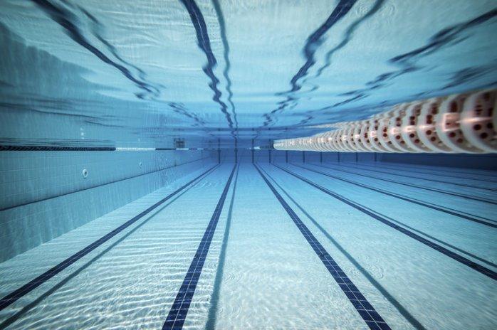 swimming-pool_custom-555146153549c41f20f018a6624895cb1ddb9b22-s800-c85